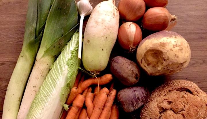 Manger des fruits/légumes biologiques, locaux et de saison avec un panier BIO, la solution!