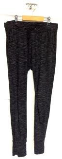 Bas de pyjama (jogging si besoin)